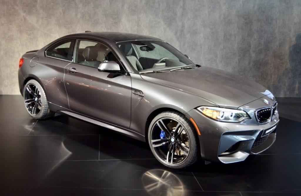 Hvad koster konfirmationskørsel i en BMW M2